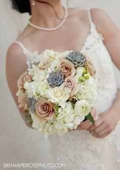 barberat-bride-echeverria-gardenias-quicksand-roses-2.jpg 437×620 pixels
