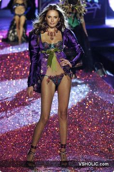 Victoria's Secret Fashion Show 2005 Russian Secret Inguna Butane
