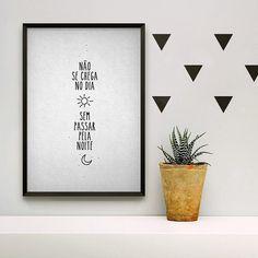 Uma ótima quinta-feira!  - #PosterNoiteeDiaNCDJ - http://ift.tt/1dqyBxz (link na bio). #nacasadajoana #abaixoasparedesvazias #pôster #posters #quadros #enquadrados #design #decoração #decor #interiordesign #pinterest #meunacasadajoana #casa #lar