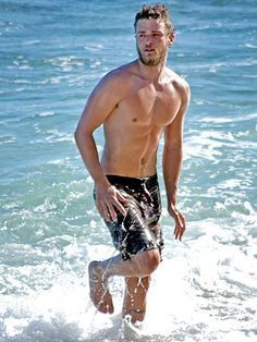 Justin Timberlake is represented as athletic, masculine, sexy, show off.