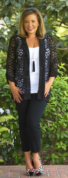 Boardroom beauty blazer - black - perfectly priscilla boutique my style мод Look Plus Size, Plus Size Tops, Plus Size Fashion For Women, Plus Size Women, Fashion Over 50, Plus Fashion, Womens Fashion, Plus Size Dresses, Plus Size Outfits