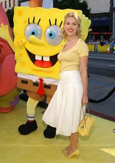 Scarlett Johansson posed with Spongebob Squarepants at the premiere of The Spongebob Squarepants Movie in 2004.