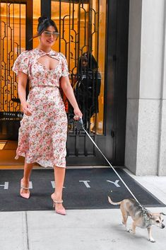 World's Best Priyanka Chopra Stock Pictures, Photos, and Images - Getty Images Inspirational Celebrities, Fashion Design Sketches, Future Fashion, Celebrity Look, Priyanka Chopra, Fashion Wear, Girl Boss, Bollywood Actress, Style Icons