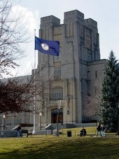 The 20 Best College Campuses In The US  #5 Virginia Tech - Go Hokie! :)  Read more: http://www.businessinsider.com/best-college-campuses-2013-8?op=1#ixzz2ySN32MAi