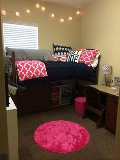 Single bedroom ideas for girls dorm room picture ideas cute single dorm room ideas decorating inspirational . College Dorm Lights, College Dorm Rooms, College Life, Funny College, College Ready, College Closet, College Apartments, Studio Apartments, Dorm Life