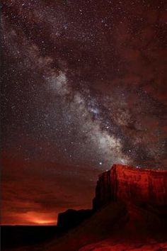 The Milky Way Over Monument Valley, Utah/Arizona border-Four Corners Region Beautiful Sky, Beautiful World, Beautiful Places, All Nature, Science Nature, Cosmos, Sky Full Of Stars, To Infinity And Beyond, Milky Way