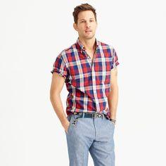 Slim short-sleeve lightweight cotton shirt in red plaid