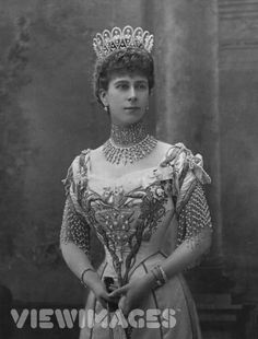 Queen Mary diamond tiara.