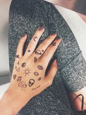 grunge doodles on Tumblr - #doodles #grunge #tumblr Print Tattoos, Hand Tattoos, Hand Henna, Creative Art, Grunge, Doodles, Tumblr, Dressing Up, Creative Artwork