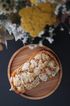 Butternut farcie au quinoa Camembert Cheese, Dairy, Cooking, Food, Gratin, Bon Appetit, Salt, Kitchen, Essen