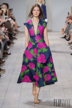 Michael Kors Spring-summer 2015 - Ready-to-Wear - http://www.flip-zone.com/fashion/ready-to-wear/fashion-houses-42/michael-kors-4908 - ©PixelFormula