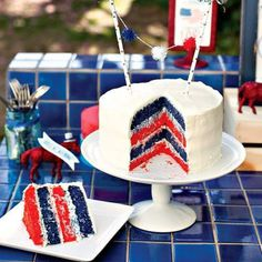 Tip Junkie Patriotic page.  384 (and counting) 4th of July ideas