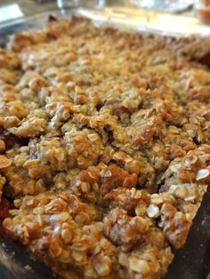 APPLE CRISP w/Crunchy Oat Topping(serves 4-6): 4 golden delicious or Granny Smith apples,  2 T ground cinnamon,  TOPPING: 2/3 C all-purpose flour,  1 C brown sugar,  2 C Quaker Oats ,  2/3 C melted butter