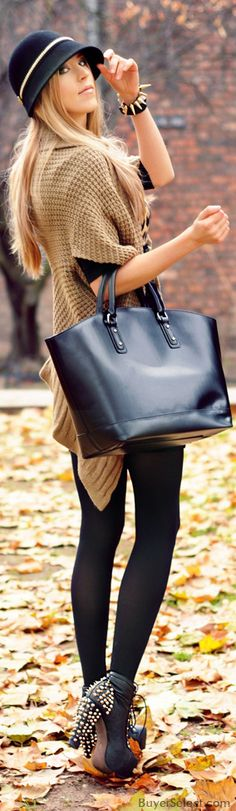 Fall / winter - street  chic look - oversized camel sweater + black leggins + black top + black ankle high heel boots + black hat