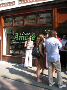 That's Amore - Amsterdam. O atendimento é maravilhoso, o lugar é aconchegante e a comida maravilhosas. Pizzas, ravioles do dia, berinjela à parmigiana são ótimas opções.