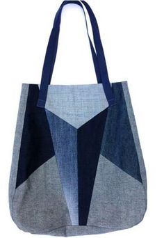 Tote of recycled, blue jeans. Denim Handbags, Denim Tote Bags, Denim Purse, Denim Jeans, Diy Sac, Blog Couture, Denim Crafts, Recycle Jeans, Handbag Patterns