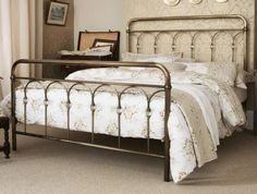 For a Loft inspired decor, metal statement pieces are a must. This Shilton Metal Bed Frame, with an authentic, vintage look in a choice of Antique Brass or Antique Nickel finish, is a great way to give your bedroom the Manhattan look. King Metal Bed Frame, Leather Bed Frame, Metal Beds, Antique Beds, Antique Metal, Vintage Metal, Cama Vintage, Camas King Size, Quartos