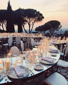 This decor is something magnificent! 😻What do you think about this? We really NEED to hear your opinions💗Leave your comments👇🏻    Event Planning Decor Design for and Picture by Janina Bauer Event Planning, Wedding Planning, Fall Wedding Decorations, Wedding Centerpieces, Centrepieces, Wedding Favors, Wedding Invitations, Wedding Toasts, Italy Wedding