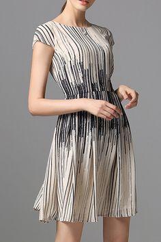 SARAH DEAN NEWYORK -  Striped Short Sleeve Mini Dress
