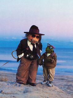 Miss Piggy & Kermit do Annie Hall.