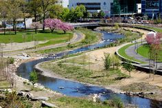 Mill River Park and Greenway by OLIN Landscape Architecture Location: Stamford, Connecticut, USA Designed: 2007 – 2012 Constructed: 2012 – 2013 Area: 33 acres Budget: US$11.8 million Text: Will Belcher, RLA, Landscape Architect / OLIN