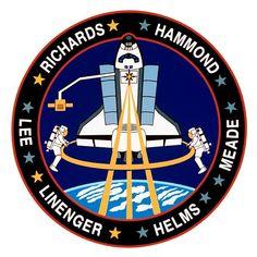 STS-64  Lancering: 9 september 1994 Aankomst: 20 september 1994 Edwards Air Force Base, Fl. Astronauten: Richard N. Richards, L. Blaine Hammond Jr., Jerry M. Linenger, Susan J. Helms, Carl J. Meade en Mark C. Lee Space Shuttle: ontdekking  LITE-instrument dat gedurende 53 uur wordt gebruikt, waardoor meer dan 43 uur aan high-rate data wordt geleverd. Ongekende weergaven werden verkregen van wolkenstructuren, stormsystemen, stofwolken, verontreinigende stoffen, bosbranden en…