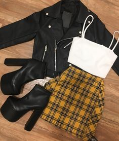 Plaid mini skirt black jacket coolladies net skirt for teens 8 casual outfits you should wear to look younger Cute Casual Outfits, Edgy Outfits, Swag Outfits, Mode Outfits, Retro Outfits, Grunge Outfits, Teen Fashion Outfits, Look Fashion, Outfits For Teens
