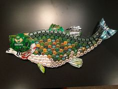 Largemouth Bass (on Etsy at BrewArtByBill ) bottle cap art Bottle Top Art, Bottle Top Crafts, Bottle Cap Projects, Diy Bottle, Beer Cap Art, Beer Bottle Caps, Beer Cap Crafts, Cork Crafts, Garrafa Diy