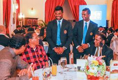 President meets cricketers,