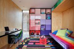 Monumental em linhas sóbrias. Veja: http://www.casadevalentina.com.br/projetos/detalhes/monumental-em-linhas-sobrias-665 #decor #decoracao #interior #design #casa #home #house #idea #ideia #detalhes #details #style #estilo #casadevalentina #bedroom #quarto #cor #color