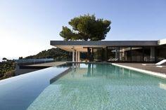 Skaithos Island House by k studio