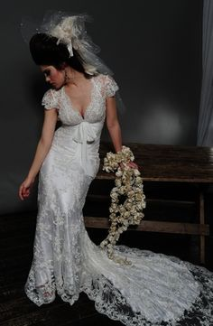 Pnina Tornai - V-Neck Sheath Gown in Lace
