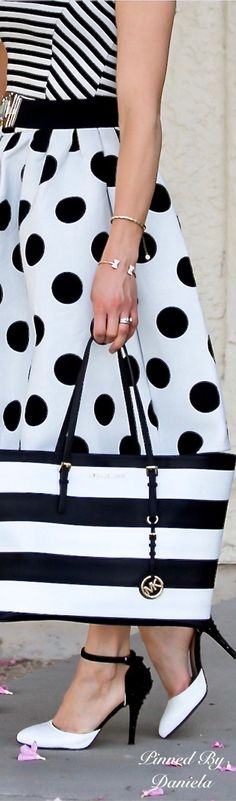 69 Trendy ideas skirt black and white outfit polka dots White Outfits, Boho Outfits, Casual Outfits, Black White Fashion, Black And White, Pin Up, White Chic, Mint, Classic Chic