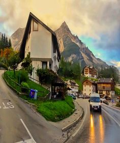 Happy New Week Loc: #Cortina #Dolomites #Italy . Check out @g0lden_heart #golden_heart Follow @magicpict #magicpict