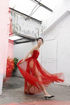 Maria Grazia Chiuri成為法國時裝品牌Dior有史以來第一位女性創作總監,首個交出的...