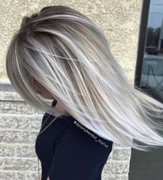 "611 Likes, 7 Comments - Blonde + Balayage + Platinum (@dylanakendal_stylist) on Instagram: ""Platinum drop root 💖💫"""