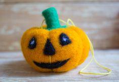 Halloween Pumpkins needle felted Waldorf wool от WooolyWool