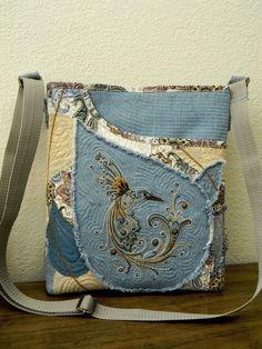 Hummingbird Denim Patchwork Shoulder Bag-Hand by AllasOriginals Denim Patchwork, Patchwork Bags, Quilted Bag, Jean Purses, Purses And Bags, Diy Tote Bag, Tote Bags, Creation Couture, Handmade Purses
