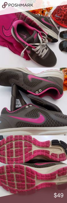 c0857e59007 Nike Running Shoes Shoes is in excellent condition. I only used it for  walking for a few times. Price firm unless bundled. Great deal for  excellent ...