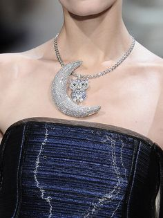 wink-smile-pout: Armani Prive Spring 2010 Jewelry details
