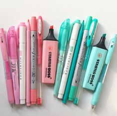 ☾𝓜𝓸𝓻𝓮 @𝓼𝓮𝓶𝓲𝓻𝓪𝔀𝓻𝓻☽ Stationary Store, Stationary Supplies, Stationary School, Cute Stationary, School Stationery, Stationary Organization, School Suplies, Paper Store, Paper Crafts Origami