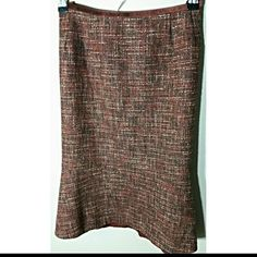 Great Fall Colored Skirt  Size 6p Poloyester, wool & rayon. Collection for Le Suit Skirts Midi