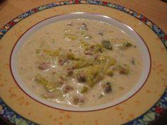 Das perfekte Käse-Lauch-Hackfleisch-Suppe-Rezept mit Bild und einfacher Schritt-für-Schritt-Anleitung: Lauch waschen und in feine Streifen schneiden….  YUMMY!