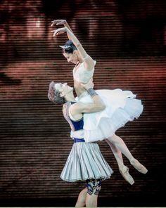 Elisa Carrillo Cabrera and Mikhail Kaniskin performing La Peri at the Kremlin Gala – The Ballet Stars of 21.th Century (27.09.2014). Photo by Jack Devant