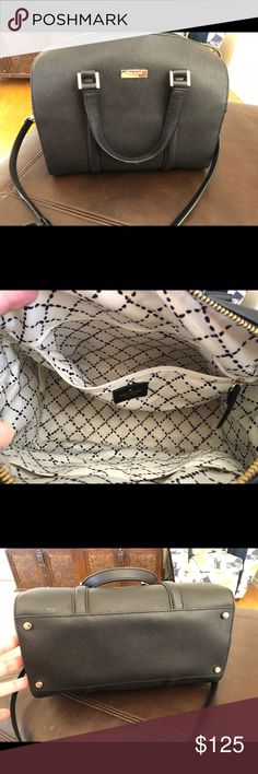 """Authentic Kate Spade Black Bag Weekend flash sale 🎊🎊 Some small scuffs but the bag is otherwise in great condition. Authentic. Gold detail. Clean. Approximately 8.5"""" x 12"""". Long shoulder strap included. kate spade Bags Satchels"""