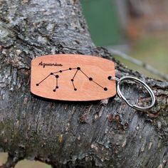 Llavero madera urbano constelación de por WindyCityHardwoods
