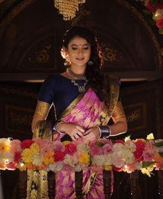 Mehendi, Wedding Bride, Sari, Photo And Video, Female, Couples, How To Wear, Instagram, Nyc