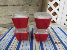 Vintage set of 4 Pyrex Refrigerator 1 1/2 Cup Size Dishes with Lids Bright Farmhouse Red by EvenTheKitchenSinkOH on Etsy
