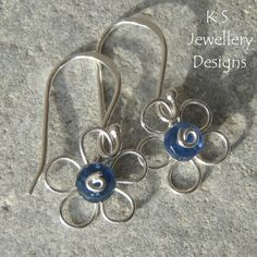 Wire Jewelry Tutorial  WIRE FLOWERS 4 by | http://newjewelrytrends.blogspot.com