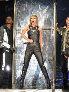 Bad Blood // 1989 Tour: Cleveland // she's literally like 2 hours away from me